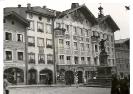 Bad Tölz, Obere Marktstraße, Fassadenmalereien und Winzerdenkmal, um 1938
